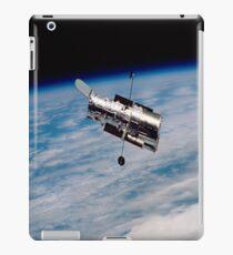 Hubble Orbiting earth iPad Case iPad Case/Skin