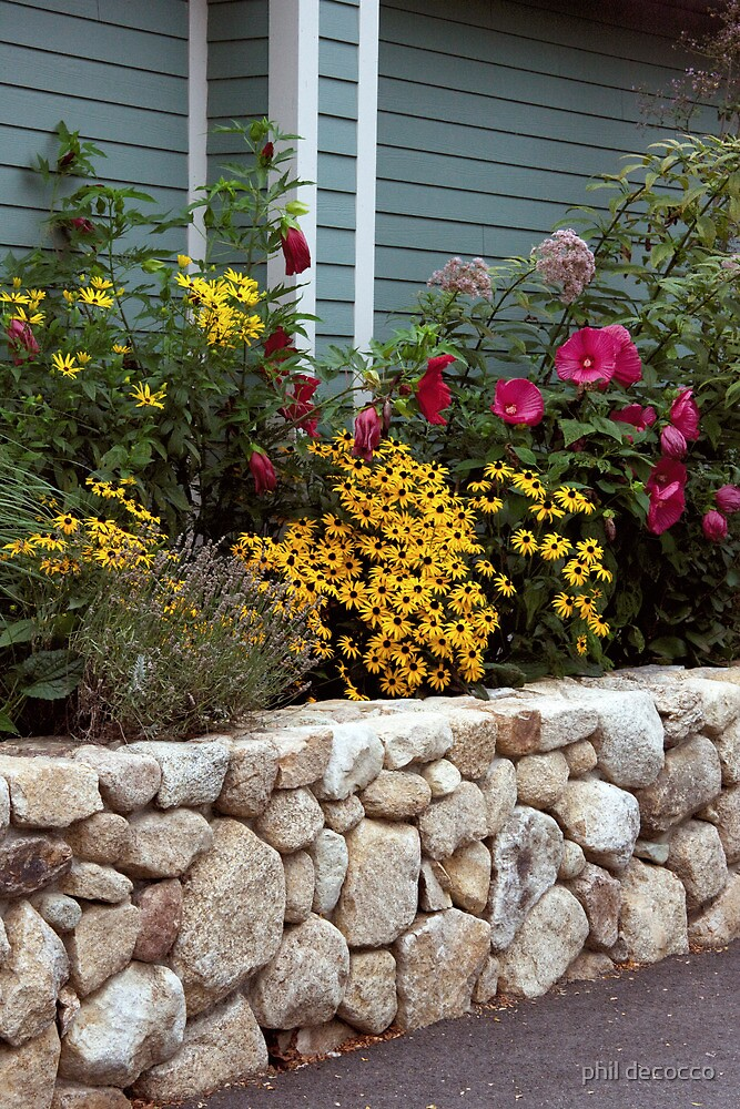 Island Rock Garden Wall by phil decocco