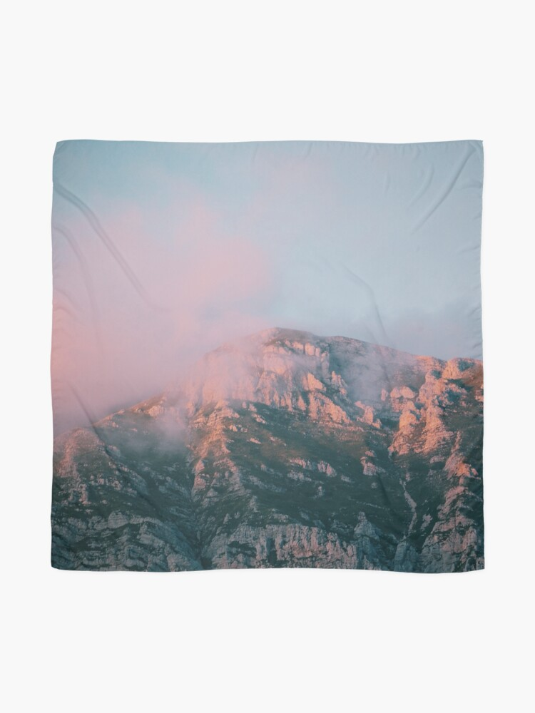 Alternate view of Mountains in the background VI Scarf