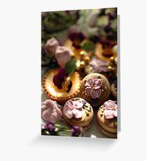 Violettes sur la table Greeting Card