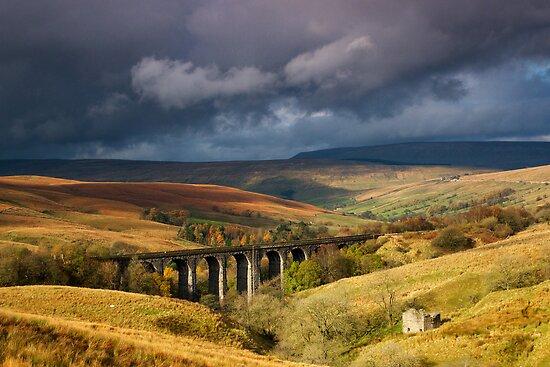 Dent Head Viaduct by Simon Bowen