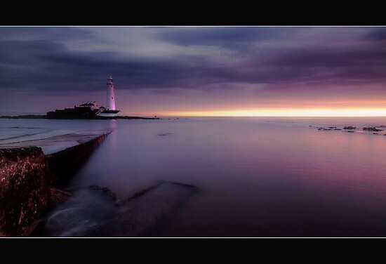 St Mary's Lighthouse by james  thow