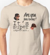 Are You Fake Texting?   Lizzie Bennet Diaries T-Shirt