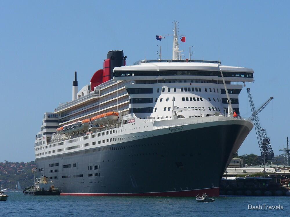 Queen Mary 2 Maiden Voyage - Sydney 2007 by DashTravels