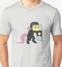 Riot shield Fluttershy - Military Pony T-Shirt