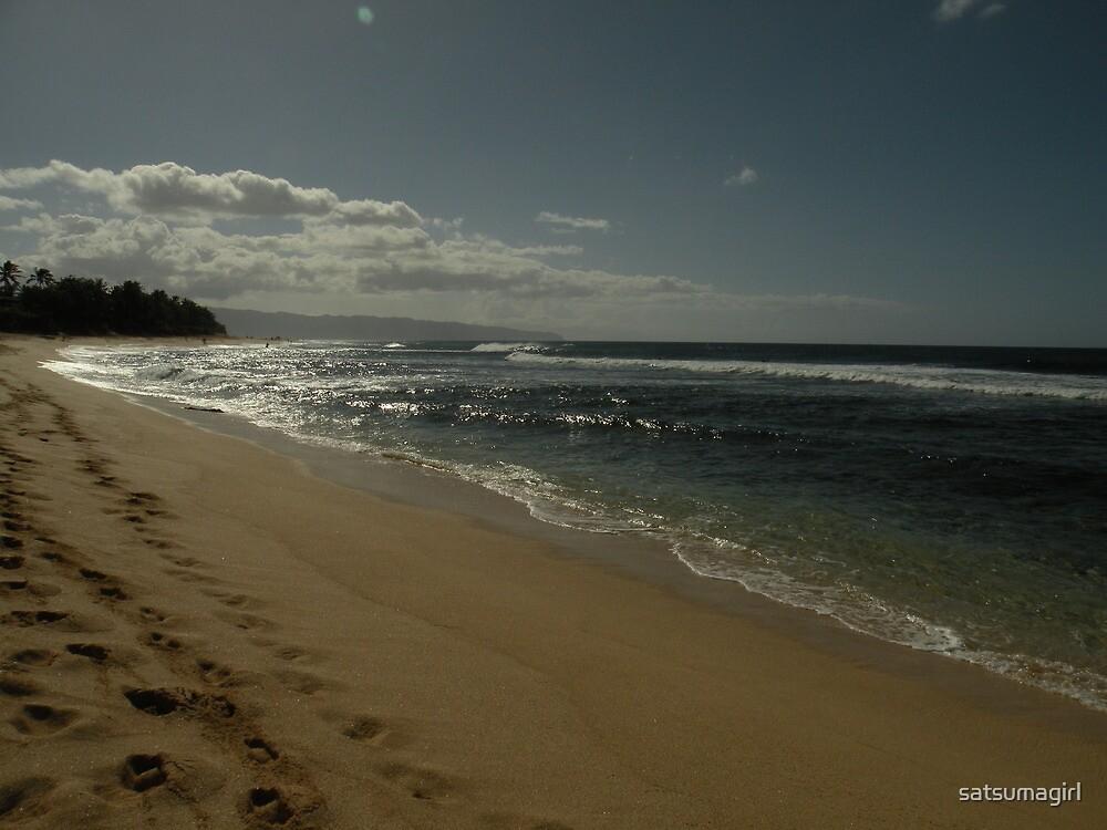 Footprints - Banzai Pipeline Beach by satsumagirl