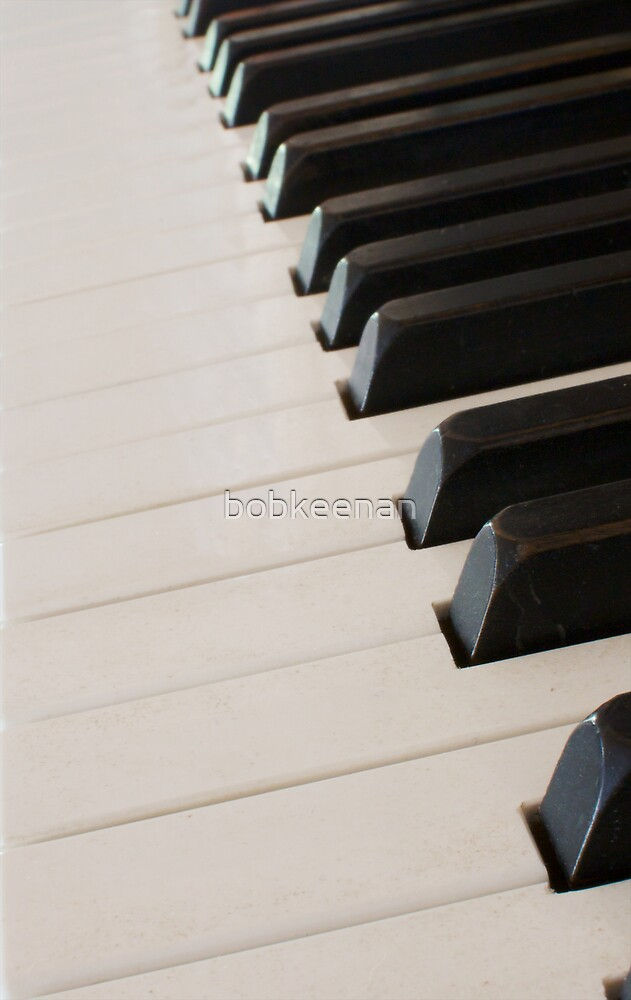 piano keyboard at angle by bobkeenan