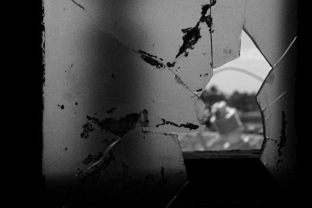 Broken window by Syai