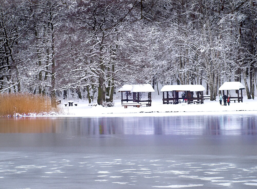 Deep lake by ulryka