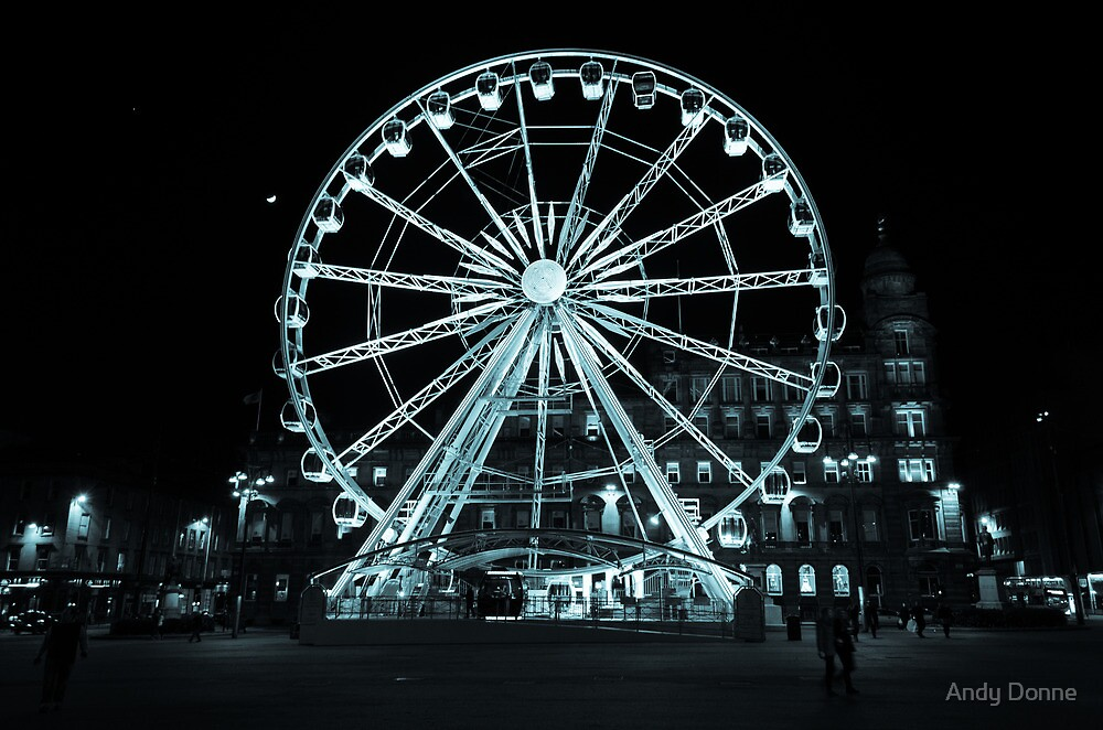 The big wheel, George Square, Glasgow by Andy Donne