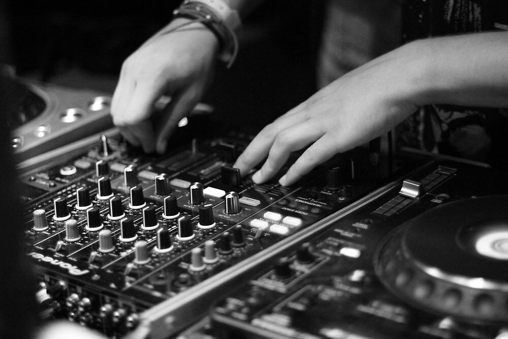 DJ Spinning by nathan-pardee