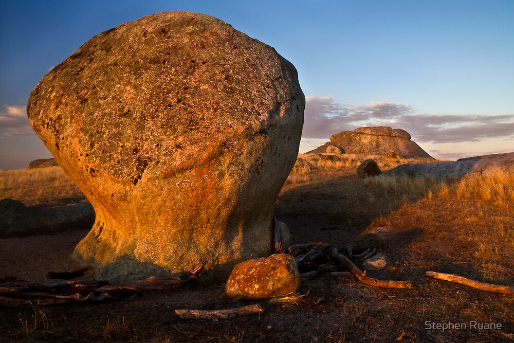 Low Light and Dog rocks by Stephen Ruane