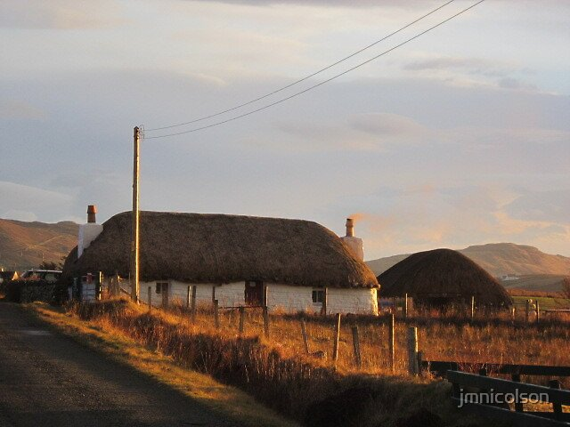 Thatched cottage  by jmnicolson