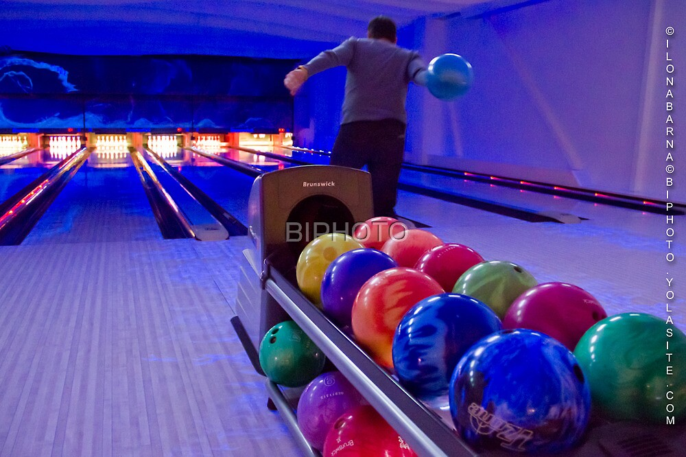 Bowling 2. by BIPHOTO