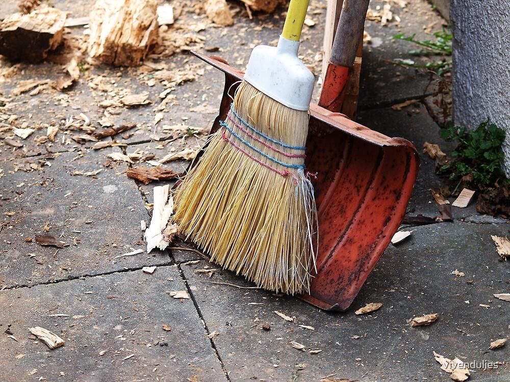 Kehrwoche - Broom & Shovel VRS2 by vivendulies