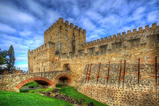Castelo de Sao Jorge by manateevoyager