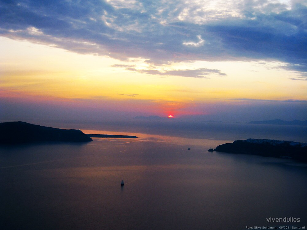 Sunset in Santorini Bay (Greece)  VRS2 by vivendulies