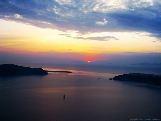Sunset in Santorini Bay (Greece)  VRS2 by vivendulies