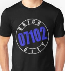 'Brick City 07102' (w) Unisex T-Shirt