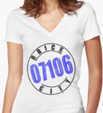 'Brick City 07106' Women's Fitted V-Neck T-Shirt