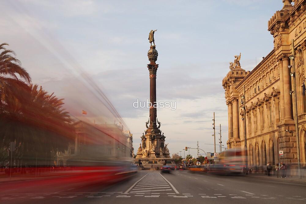 colon statue barcelona by dubassy