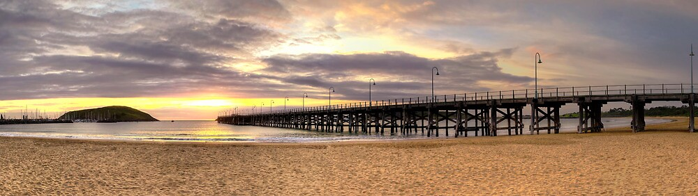 Warm Sunrise - Coffs Harbour by Maxwell Campbell