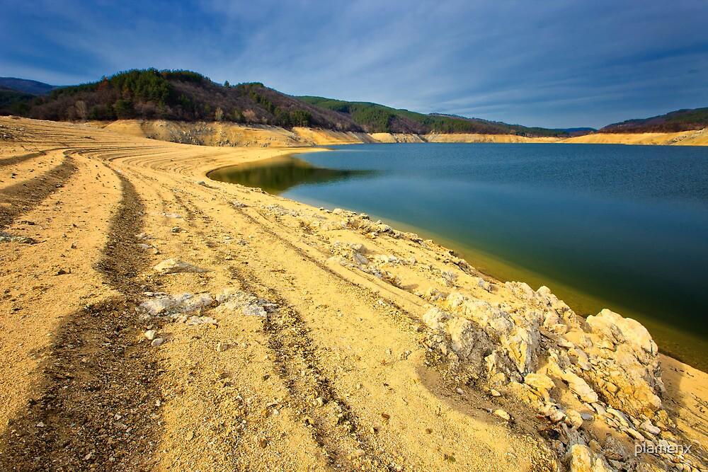 lake shore by plamenx