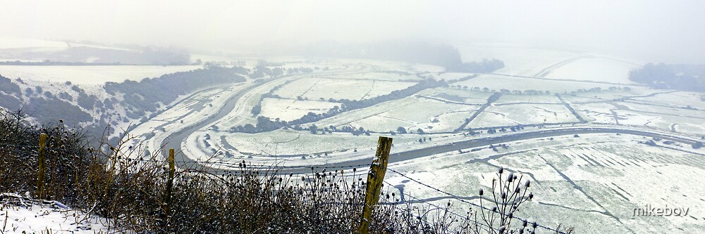 Snow in the Valley by mikebov