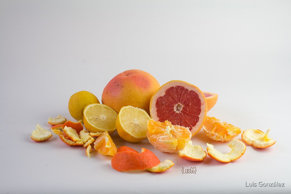 Oranges, lemons and grapefruits by Luis González