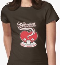 Mein koffeinhaltiges Herz Tailliertes T-Shirt für Frauen
