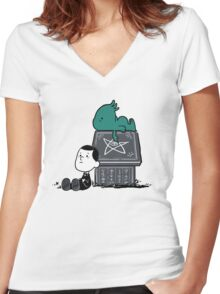 Call of Snoophulhu Women's Fitted V-Neck T-Shirt