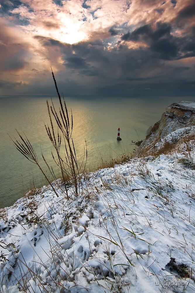 Winter Beachy head lighthouse  by willgudgeon