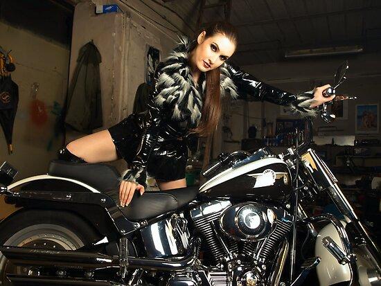 Harley Davidson girl 16 by bravomodels