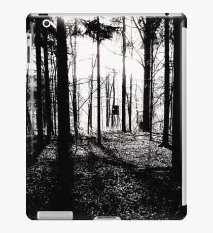 Deer stands in the woods VRS2 iPad Case/Skin