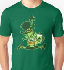 Green Leprechaun Running while Holding a Glass of Beer Unisex T-Shirt