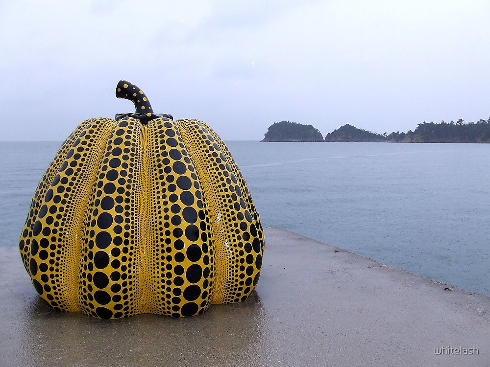 Japan Urban Art 01 - Yellow Pumpkin (Yayoi Kusama) by whitelash