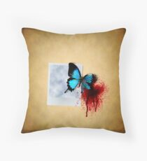 Free like a butterfly Throw Pillow