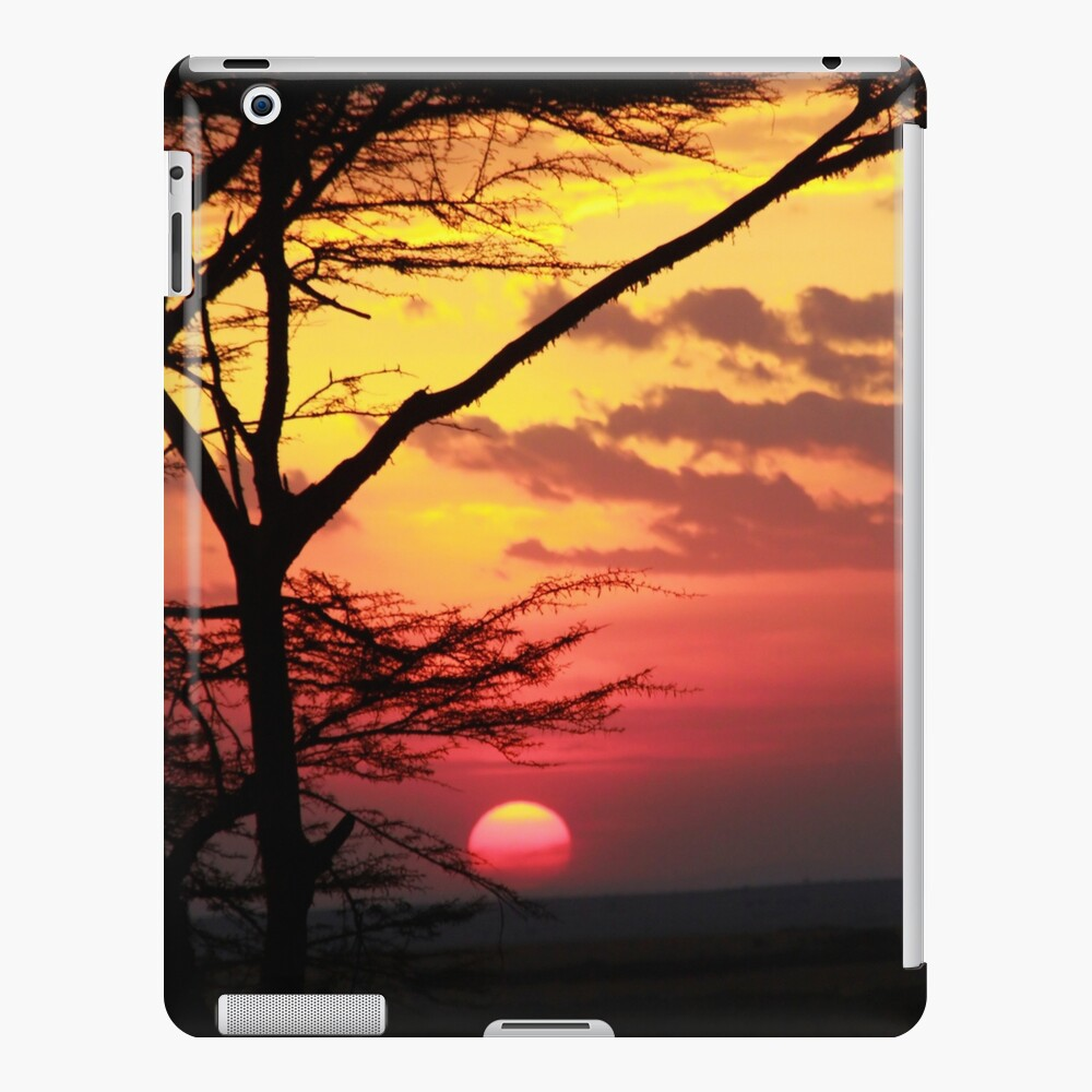 Kenyan Sunset with trees in the foreground Funda y vinilo para iPad