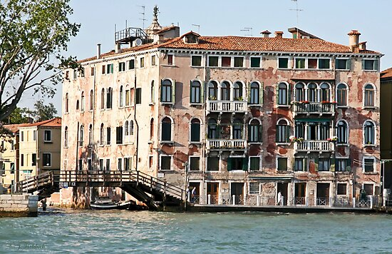 Living in Venice by imagic