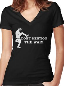 Fawlty Towers - Don't mention the war. Women's Fitted V-Neck T-Shirt