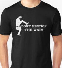 Camiseta ajustada Fawlty Towers: no menciones la guerra.