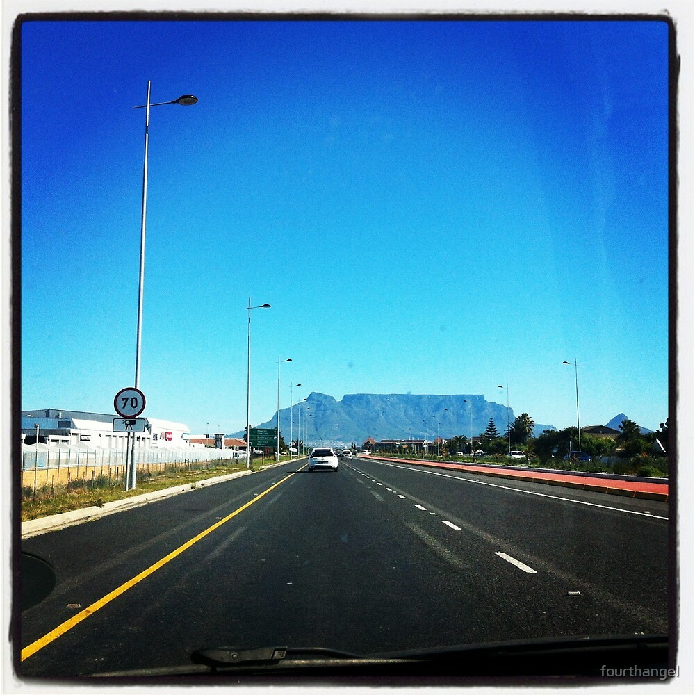 Table Mountain by fourthangel