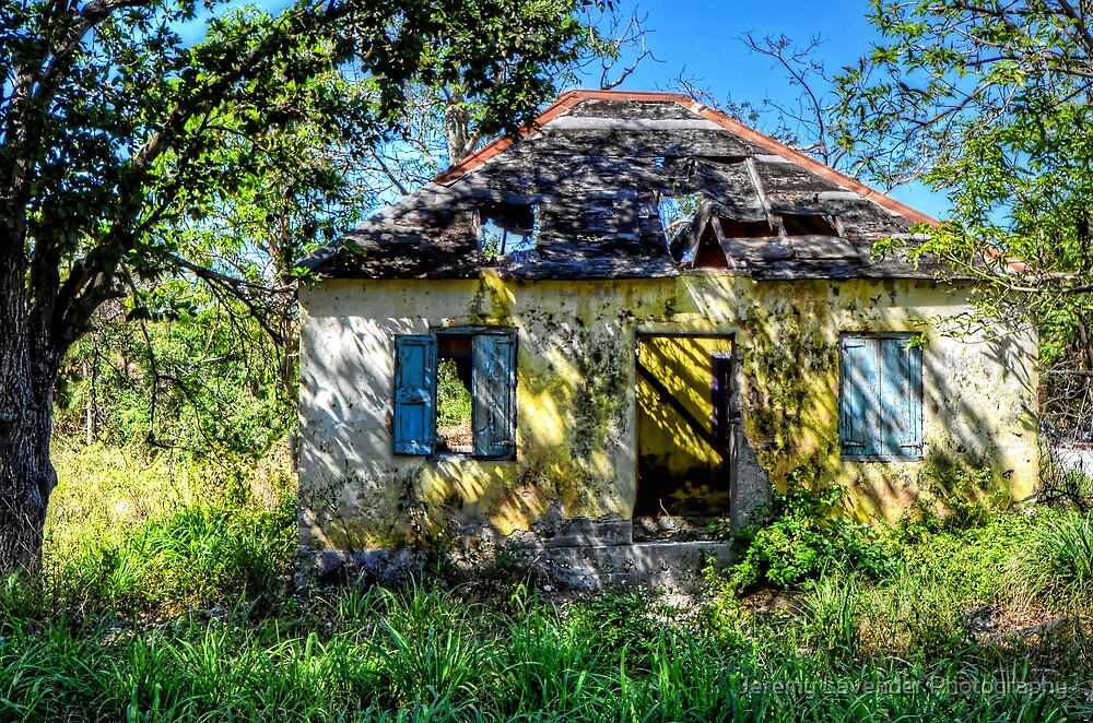 The little abandoned house in Fox Hill Village, The Bahamas by Jeremy Lavender Photography