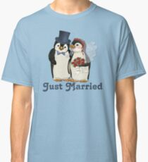 Penguin Wedding - Just Married Classic T-Shirt
