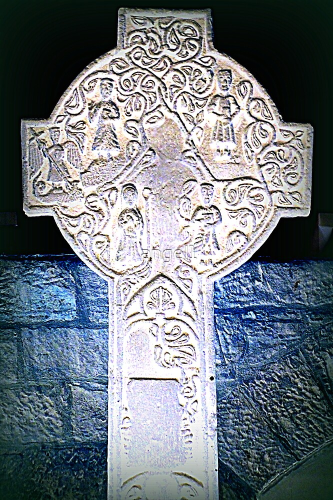 Celtic cross inversion by ©The Creative  Minds