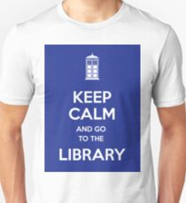 Keep calm and go to the library! T-Shirt