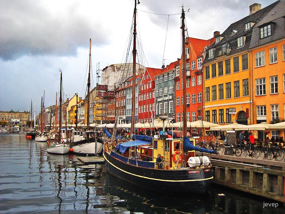 Copenhagen Dock by jevep