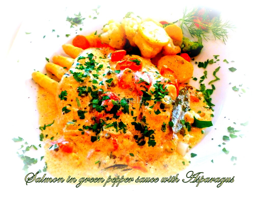 Il Casale ~ salmon in green pepper sauce with asparagus by ©The Creative  Minds