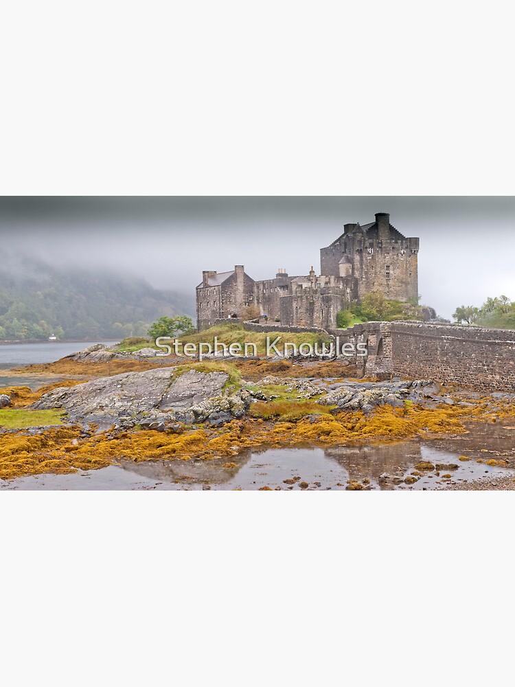Eilean Donan Castle by stephenknowles