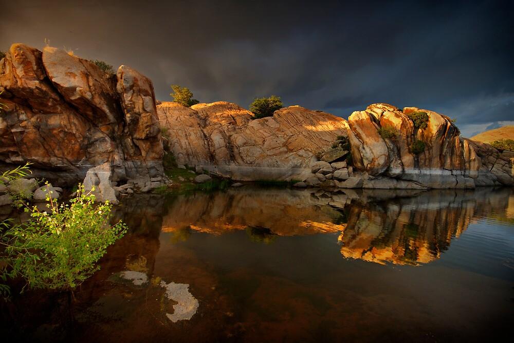 GlowAround by Bob Larson